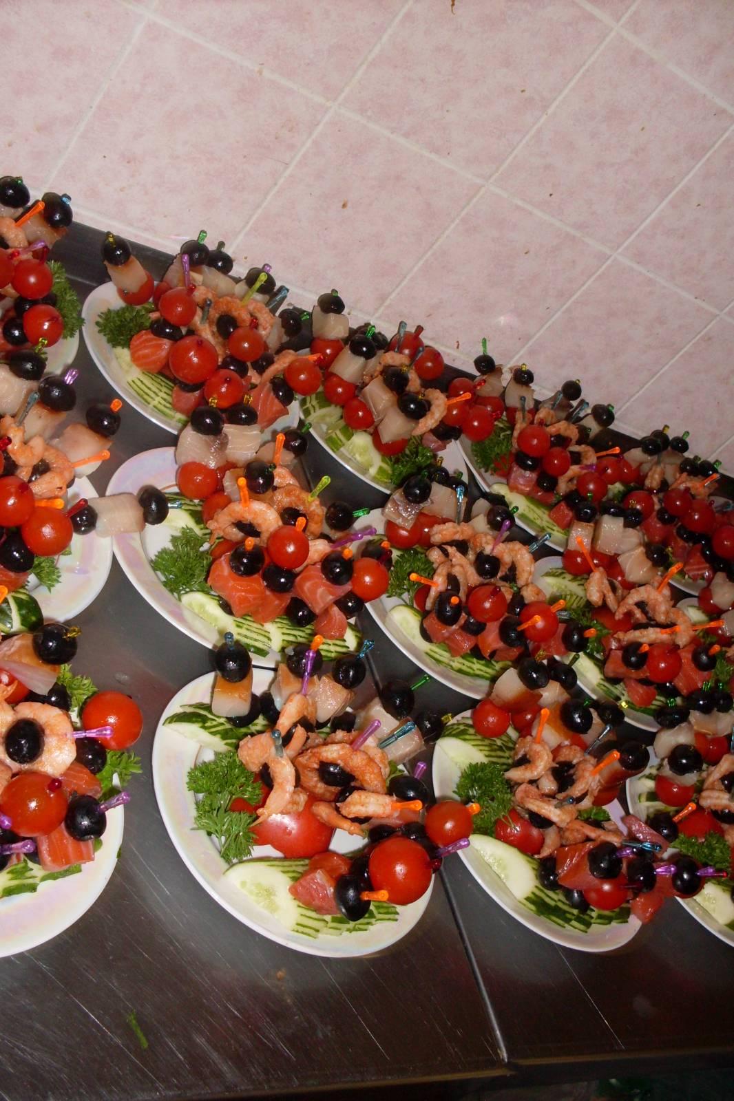 На свадьбу на стол и рецептами